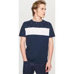 T-shirt w marynistycznym stylu - Granatowy. Niebieskie t-shirty męskie marki Reserved, l. W wyprzedaży za 29,99 zł.
