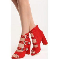Czerwone Sandały It's a Trap. Czerwone sandały damskie na słupku marki Born2be, w paski, na wysokim obcasie. Za 119,99 zł.