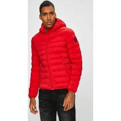 Guess Jeans - Kurtka Seamless. Czerwone kurtki męskie bomber Guess Jeans, l, z aplikacjami, z elastanu, z kapturem. Za 699,90 zł.