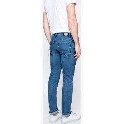 Pepe Jeans - Jeansy. Niebieskie jeansy męskie slim Pepe Jeans. W wyprzedaży za 279,90 zł.