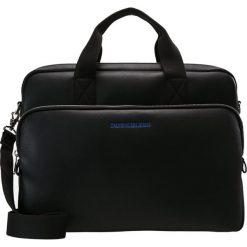 Calvin Klein Jeans SMOOTH BUSINESS BAG Aktówka black. Czarne aktówki męskie marki Calvin Klein Jeans, z jeansu. Za 669,00 zł.