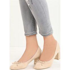 Beżowe Czółenka Verso. Brązowe buty ślubne damskie marki Born2be, ze skóry, na niskim obcasie, na słupku. Za 59,99 zł.
