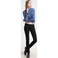 LTB MOLLY Jeansy Slim Fit black. Czarne jeansy damskie marki LTB. W wyprzedaży za 207,20 zł.