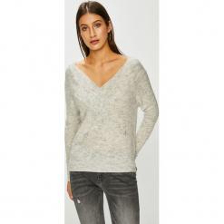 Noisy May - Sweter Carli. Szare swetry klasyczne damskie Noisy May, l, z dzianiny. Za 129,90 zł.