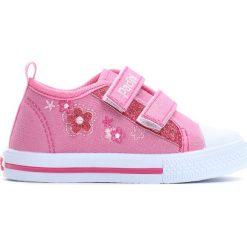 Różowe Trampki Classmate. Czerwone buty sportowe dziewczęce marki Born2be, z materiału. Za 49,99 zł.