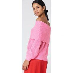 Swetry klasyczne damskie: Trendyol Sweter z wywijanym dekoltem – Pink