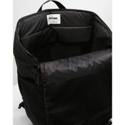 Incase SPORT FIELD LITE Plecak black. Czarne plecaki męskie Incase. Za 509,00 zł.