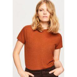 T-shirt o prążkowanej teksturze - Brązowy. Brązowe t-shirty damskie marki Reserved, l, prążkowane. Za 59,99 zł.