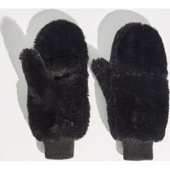 Puszyste rękawiczki - Czarny. Czarne rękawiczki damskie Sinsay. Za 29,99 zł.