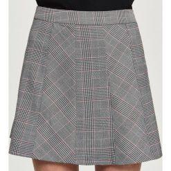 Spódniczki: Rozkloszowana spódnica w kratę – Wielobarwn