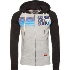 Superdry NO 7 SURF LITE RAGLAN ZIPHOOD Bluza z kapturem carbon black grindle/harbour grey grindle. Pomarańczowe bluzy męskie rozpinane marki Superdry, l, z bawełny, z kapturem. Za 389,00 zł.