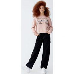 Bluza z Myszką Miki 90's. Czerwone bluzy damskie Pull&Bear, s. Za 89,90 zł.