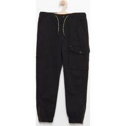 Odzież chłopięca: Spodnie z dużą kieszenią - Czarny