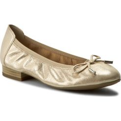 Baleriny CAPRICE - 9-22166-28 Beige Glitter 409. Żółte baleriny damskie lakierowane Caprice, z nubiku, na płaskiej podeszwie. W wyprzedaży za 159,00 zł.