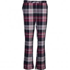 Spodnie piżamowe w kolorze niebiesko-fioletowym. Białe piżamy damskie marki LASCANA, w koronkowe wzory, z koronki. W wyprzedaży za 58,95 zł.