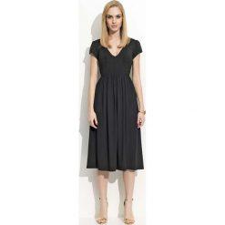 Sukienki hiszpanki: Czarna Sukienka Midi z Marszczeniami