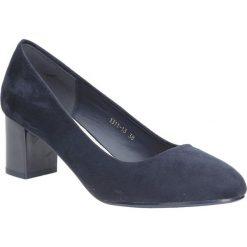 Czółenka na słupku Casu 1311. Szare buty ślubne damskie marki Kazar, ze skóry, na wysokim obcasie, na obcasie. Za 78,99 zł.