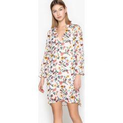 Długie sukienki: Krótka kwiecista sukienka z długimi rękawami