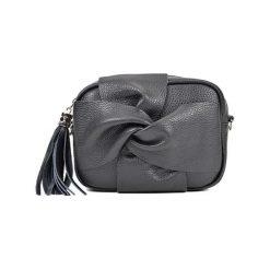 Torebka w kolorze czarnym - (S)21 x (W)16 x (G)7 cm. Czarne torebki klasyczne damskie Bestsellers bags, w paski, z materiału. W wyprzedaży za 199,95 zł.
