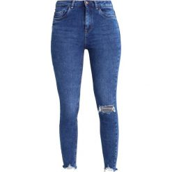 New Look RIPPED FRAY HEM URSULA Jeans Skinny Fit bright blue. Czarne jeansy damskie marki New Look, z materiału, na obcasie. Za 169,00 zł.