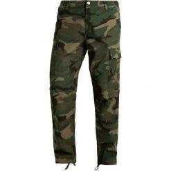 Bojówki męskie: Carhartt WIP COLUMBIA Bojówki combat green rinsed