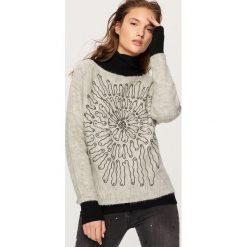 Swetry damskie: Sweter z koralikami - Jasny szar