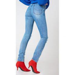 MbyM Jeansy Fiji - Blue. Niebieskie boyfriendy damskie mbyM, z denimu, z podwyższonym stanem. W wyprzedaży za 121,49 zł.