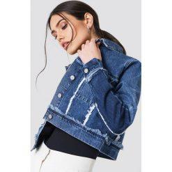 NA-KD Krótka kurtka jeansowa - Blue. Niebieskie kurtki damskie jeansowe NA-KD. Za 242,95 zł.