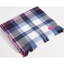 Szalik w kratę z ozdobną metką - Khaki. Czerwone szaliki damskie marki Mohito, z bawełny. Za 49,99 zł.