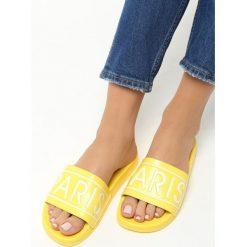 Żółte Klapki Paris Look. Brązowe crocsy damskie marki Born2be, z materiału, na obcasie. Za 39,99 zł.