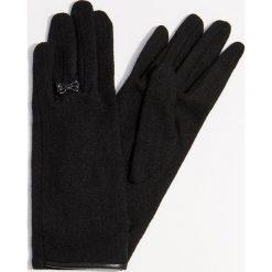 Eleganckie rękawiczki z wełną - Czarny. Czarne rękawiczki damskie Mohito, z wełny. Za 39,99 zł.