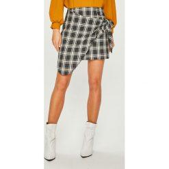 Answear - Spódnica. Szare minispódniczki marki ANSWEAR, l, z bawełny, dopasowane. Za 99,90 zł.