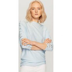 Swetry klasyczne damskie: Sweter z gorsetowym wiązaniem – Niebieski