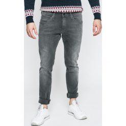 Wrangler - Jeansy. Szare jeansy męskie skinny Wrangler. W wyprzedaży za 219,90 zł.
