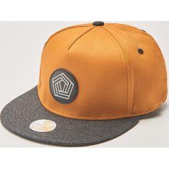 Czapka snapback - Brązowy. Brązowe czapki z daszkiem męskie House. Za 35,99 zł.