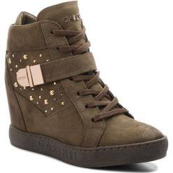 Sneakersy CARINII - B4395  I43-000-000-B88. Zielone sneakersy damskie Carinii, z materiału. W wyprzedaży za 249,00 zł.