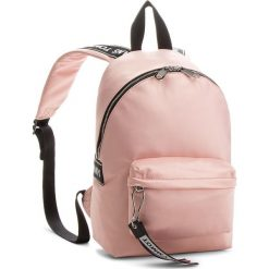 Plecak TOMMY JEANS - Logo Min AUAU00186 640. Czerwone plecaki męskie Tommy Jeans, z jeansu. Za 399,00 zł.
