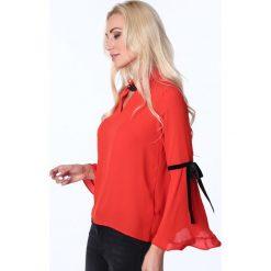 Bluzka z rozkloszowanymi rękawami czerwona MP28490. Czerwone bluzki z odkrytymi ramionami marki Fasardi, l. Za 55,00 zł.