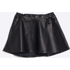 Name it - Spódnica dziecięca 104-152 cm. Czarne minispódniczki Name it, z materiału, rozkloszowane. W wyprzedaży za 37,90 zł.