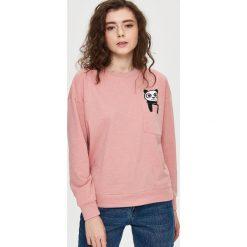 Bluzy damskie: Bluza z kieszenią – Różowy