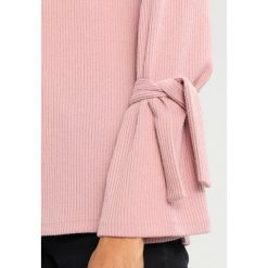 Swetry klasyczne damskie: YAS YASFLOSS FUNNELNECK TIE Sweter adobe rose