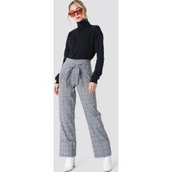 Bluzy rozpinane damskie: NA-KD Urban Bluza z suwakiem - Black