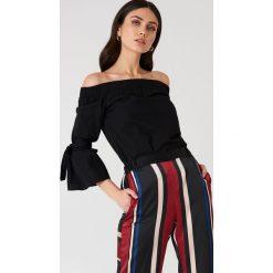 NA-KD Sukienka z odkrytymi ramionami - Black. Czarne sukienki na komunię marki NA-KD, z odkrytymi ramionami. Za 121,95 zł.