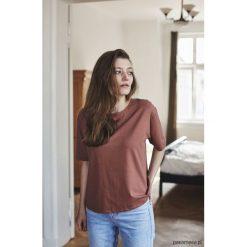 AIMEE KONIAK T-shirt. Szare t-shirty damskie marki Pakamera, z bawełny. Za 139,00 zł.