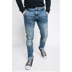 Guess Jeans - Jeansy ADAM. Szare jeansy męskie skinny marki Guess Jeans, l, z aplikacjami, z bawełny. Za 399,90 zł.