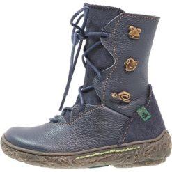 El Naturalista Kozaki sznurowane ocean/nido. Brązowe buty zimowe damskie marki El Naturalista. W wyprzedaży za 229,50 zł.