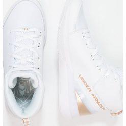 Under Armour LEVEL NINJA Obuwie do koszykówki white. Białe buty sportowe chłopięce marki Under Armour, z materiału. Za 319,00 zł.