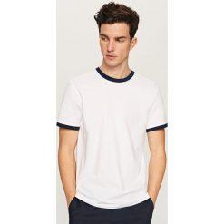 Gładki T-shirt Basic - Biały. Białe t-shirty męskie Reserved, l. Za 19,99 zł.