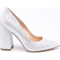 Solo Femme - Czółenka. Czarne buty ślubne damskie marki Kazar, z nubiku, na wysokim obcasie, na szpilce. W wyprzedaży za 219,90 zł.