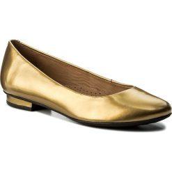 Baleriny KAZAR - Nancy 30310-L0-13 Złoty. Żółte baleriny damskie marki Kazar, ze skóry, na wysokim obcasie, na obcasie. W wyprzedaży za 239,00 zł.